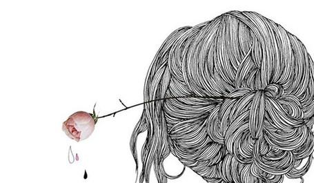 Фото Девушка с розой в волосах