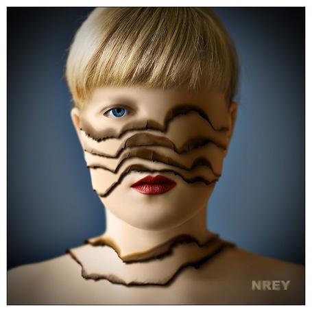 Фото Лицо блондинки состоит из нескольких слоев (NREY) (© Radieschen), добавлено: 06.11.2011 12:11