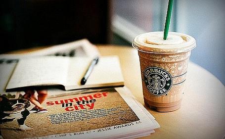 Фото Газета и кофе 'Starbucks' (© Кофе мой друг), добавлено: 06.11.2011 17:25