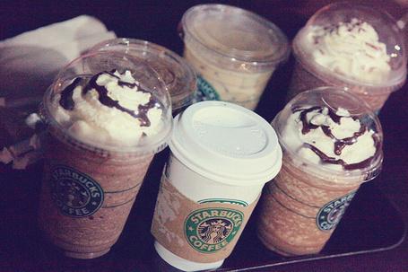 Фото Стаканчики Starbucks coffee (© StepUp), добавлено: 09.11.2011 16:46