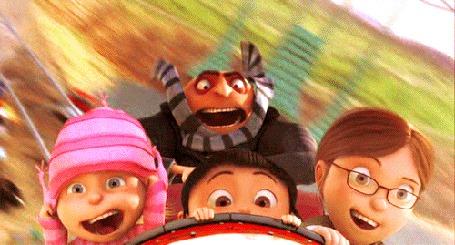 Фото Персонажи из мультфильма Гадкий Я / Despicable едут на американской горке