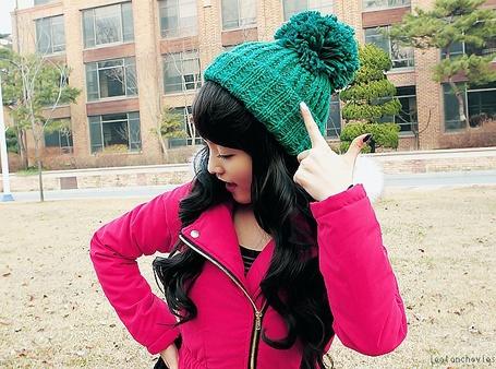 Фото Кореянка в бирюзовой шапке (© Юки-тян), добавлено: 09.11.2011 22:51