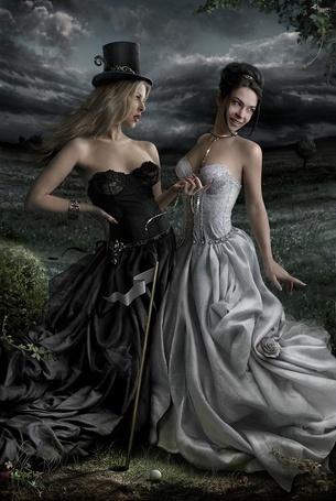 Фото Блондинка в черном платье и брюнетка в белом как две противоположности (© Radieschen), добавлено: 10.11.2011 10:00