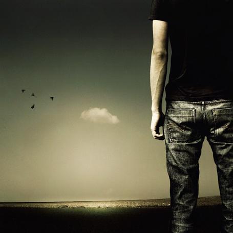 Фото Спина и попа парня смотрящего в небо (© Radieschen), добавлено: 21.11.2011 16:50