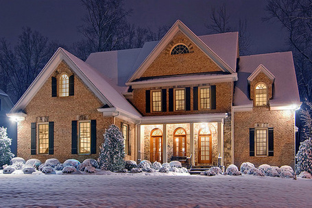 Фото Красивый дом стоит в снегу (© Штушка), добавлено: 24.11.2011 03:10