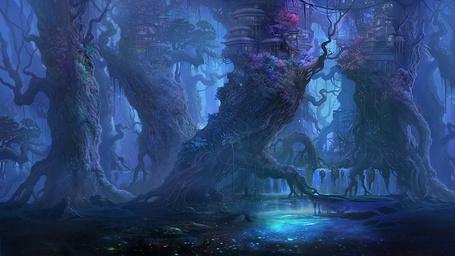 Фото Дома на деревьях в волшебном лесу