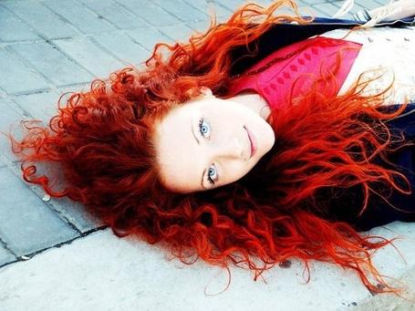 Фото Девушка с красными волосами и голубыми глазами. (© lemon), добавлено: 01.12.2011 18:13