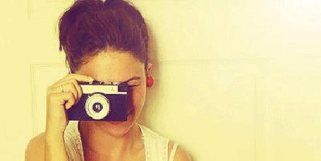 Фото Девушка с фотоаппаратом (© Anatol), добавлено: 02.12.2011 00:18