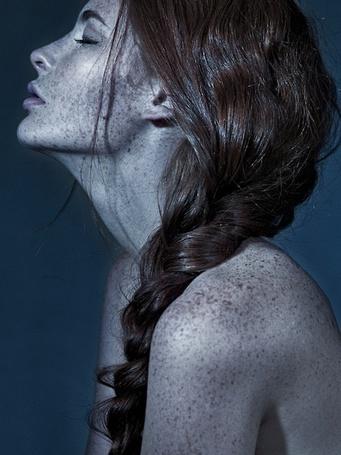 Фото Девушка с косой (© lemon), добавлено: 02.12.2011 16:19