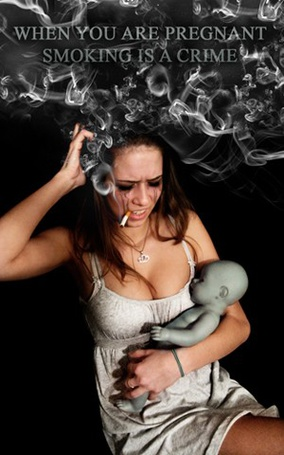Фото Реклама против курения будущих матерей, девушка с сигаретой и куклой (when you are pregnant smoking is a crime)