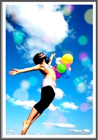 Фото Девушка в небе с воздушными шариками (© Флориссия), добавлено: 07.12.2011 16:48