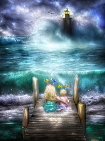 Фото Девочка со своим младшим братиком сидят на пирсе и наблюдают за штормом в море: волны бушуют и бьются о маяк