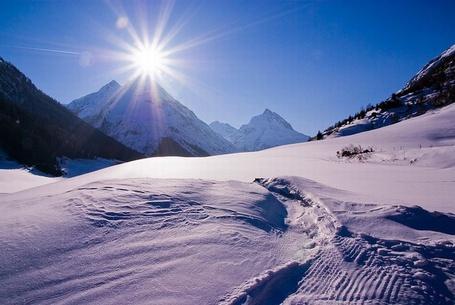 Фото Снег в горах (© Штушка), добавлено: 13.12.2011 23:23