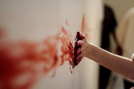 Фото Кровавой рукой по стене (© Фенн), добавлено: 15.12.2011 12:53