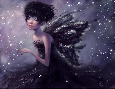 Фото Девочка-эльф с черными крыльями