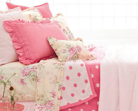 Фото Постельное белье в розовых тонах (© Штушка), добавлено: 18.12.2011 22:29