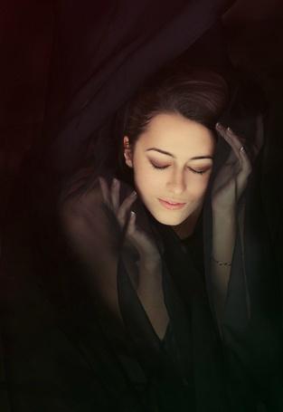 Фото Девушка укуталась в полупрозрачную ткань (© ColniwKo), добавлено: 23.12.2011 00:12