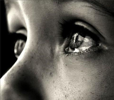 Слезы девушки фото