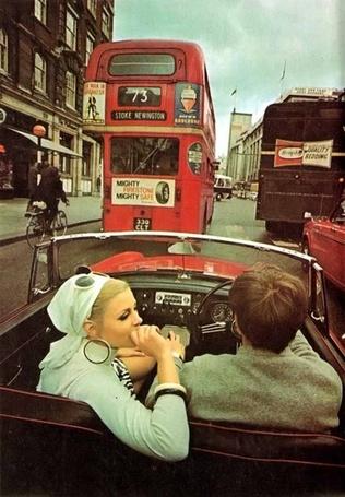 Фото Пара в кабриолете (London, UK / Лондон, Великобритания, 1960) (© Кофе мой друг), добавлено: 05.01.2012 13:31