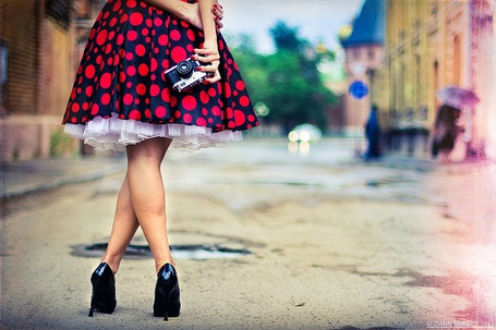 Фото Девушка одна на улице (© DashaV), добавлено: 08.01.2012 00:14
