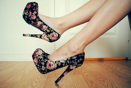 Фото Туфли с принтом диких цветов (© Кофе мой друг), добавлено: 08.01.2012 21:25