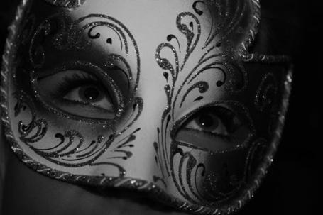 Фото Девушка в венецианской маске (© Кофе мой друг), добавлено: 08.01.2012 21:29