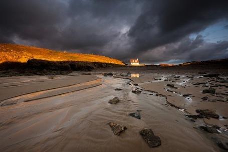 Фото Берег покрытый илом, вдалеке дом (Glyn Davies) (© Radieschen), добавлено: 10.01.2012 07:16