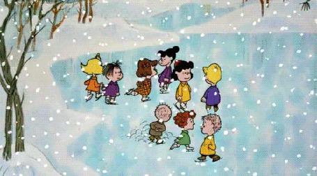 Фото Дети катаются на льду