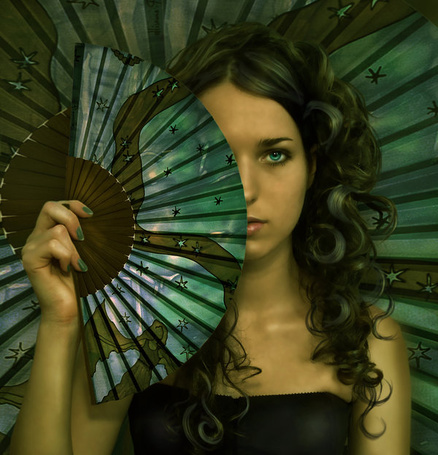 Фото Девушка с веером (© Anatol), добавлено: 14.01.2012 17:54