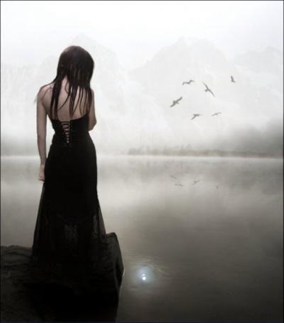 Фото Готесса у туманной реки (© Флориссия), добавлено: 16.01.2012 12:17
