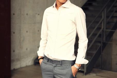 Фото Парень в белой рубашке (© Mary), добавлено: 31.01.2012 23:02