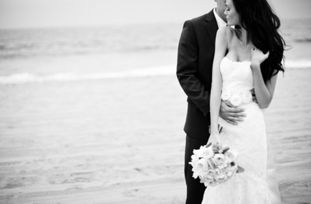 Фото Невеста с женихом у моря (© Mary), добавлено: 31.01.2012 23:04
