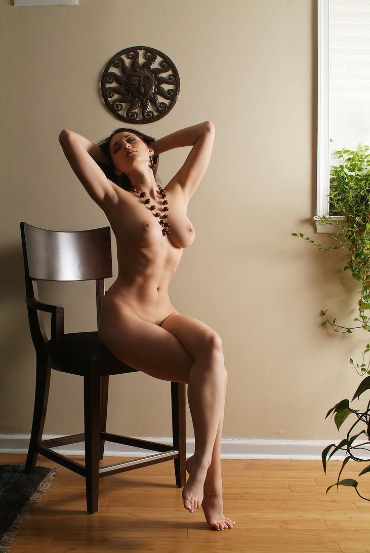 stulchik-eroticheskoe-foto