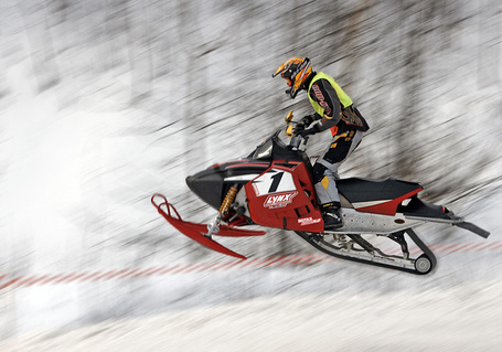 Фото Драйв - Спортсмен на снегоходе