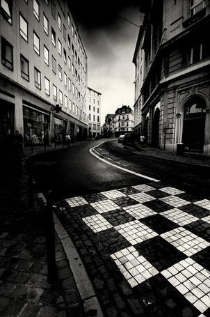 Фото Улица с дорогой, мощенной в виде шахматной доски (© Malenkoe 4ydo), добавлено: 08.02.2012 10:41