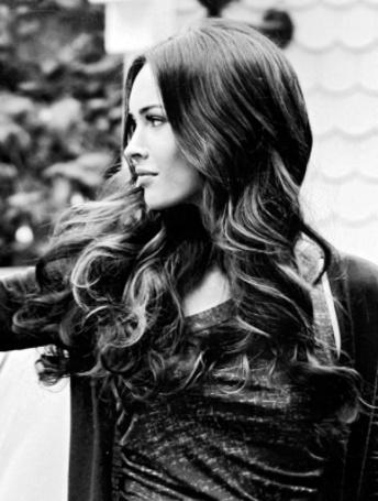 Фото Megan Fox / Меган Фокс повернулась в профиль (© Феминистка), добавлено: 16.02.2012 20:30