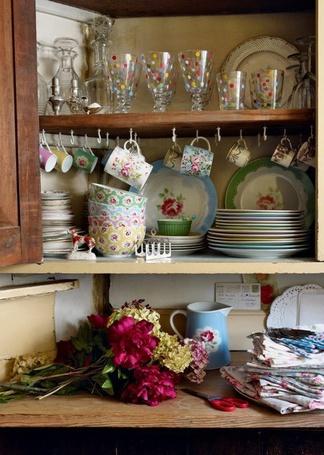 Фото Кухонный шкафчик (© Кофе мой друг), добавлено: 17.02.2012 21:33