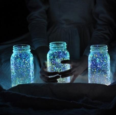 Фото Банки с волшебным сиянием (© Кофе мой друг), добавлено: 17.02.2012 21:37