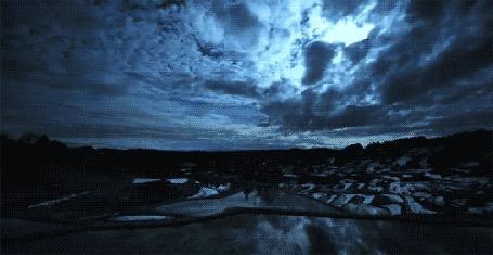 Фото Проплывающие облака над землей (© StepUp), добавлено: 27.02.2012 10:06