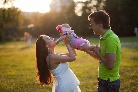 Фото Счастливая семья (© Mary), добавлено: 28.02.2012 21:05