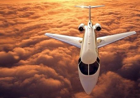 Фото Самолет пролетает над облаками (© Mary), добавлено: 28.02.2012 21:11