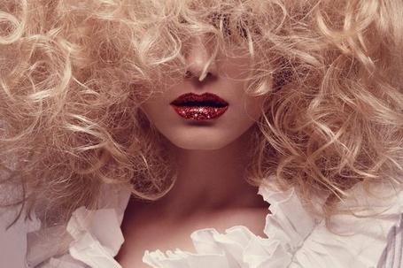 Фото Девушка с красными губами (© Штушка), добавлено: 29.02.2012 15:09