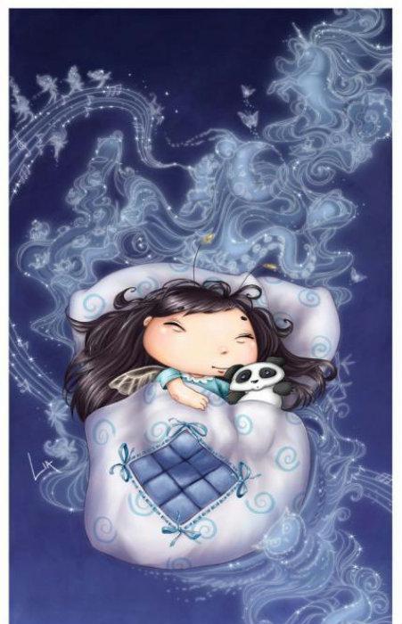 Фото Маленькая фея в постельке с пандой