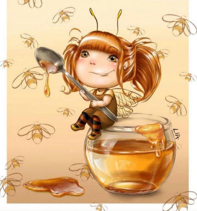 Фото Маленькая фея аппетитно ест ест мёд ложкой больше себя