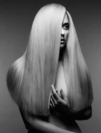 Фото Девушка с шикарными длинными волосами (© Штушка), добавлено: 01.03.2012 02:52