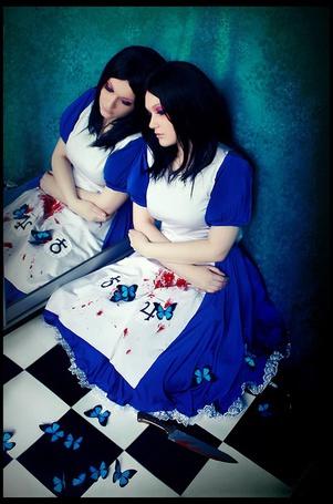 Фото Фото Alice: Madness Returns (рус. Алиса: Безумие Возвращается).Косплей Алисы (© OvManiac), добавлено: 10.03.2012 18:19