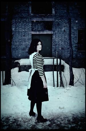Фото Фото Alice: Madness Returns (рус. Алиса: Безумие Возвращается).Косплей Алисы из психбольницы