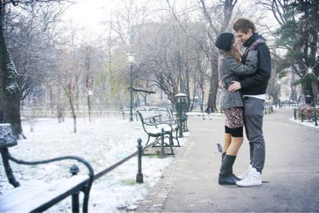 Фото Парень с девушкой  в парке (© Mary), добавлено: 12.03.2012 19:01