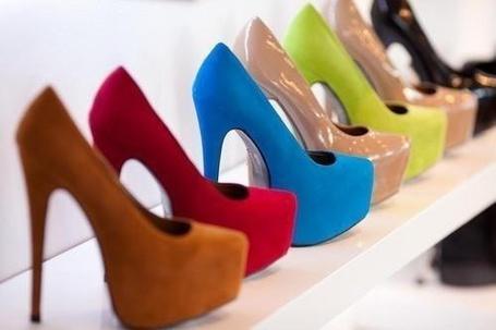 Фото Туфли на высоких каблуках (© Анютка765), добавлено: 15.03.2012 15:18