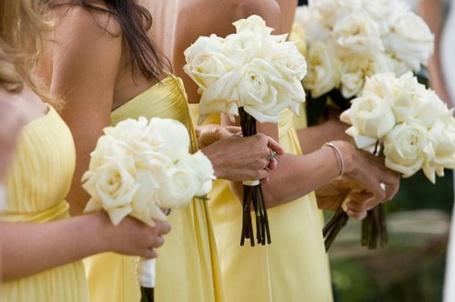 Фото Подружки невесты с букетами (© StepUp), добавлено: 18.03.2012 16:42